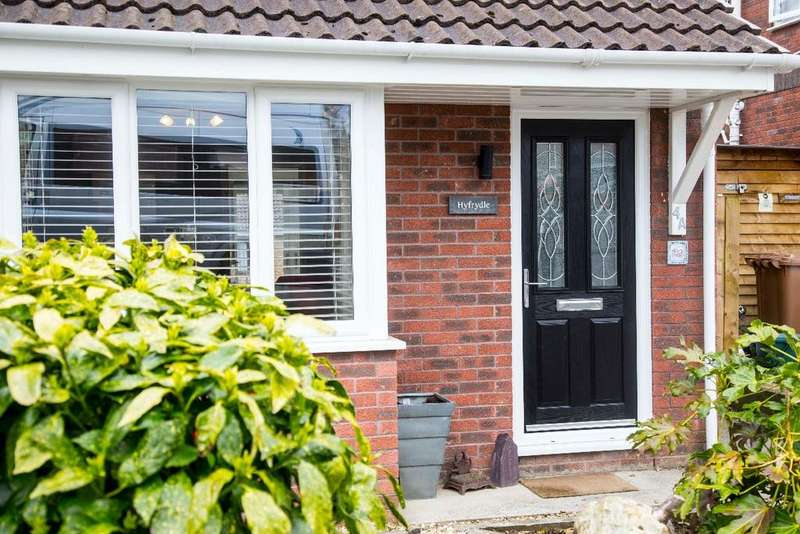 3 Bedrooms Semi Detached House for sale in Ffos Y Cerridden, Nelson, CF46 6HQ