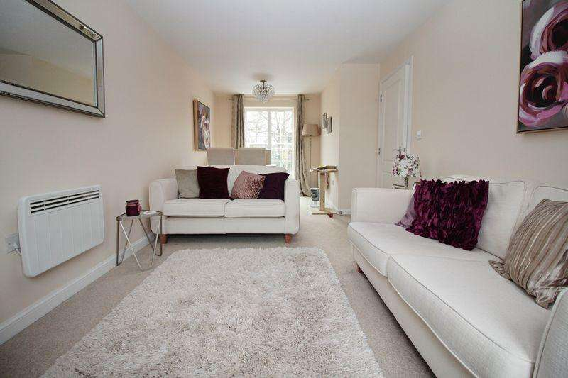 2 Bedrooms Apartment Flat for sale in Golden Orchard, Halesowen, B62 8TR