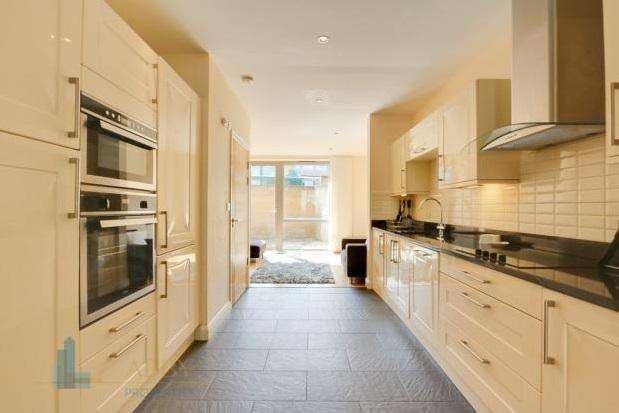 4 Bedrooms House for rent in Bow Common Lane