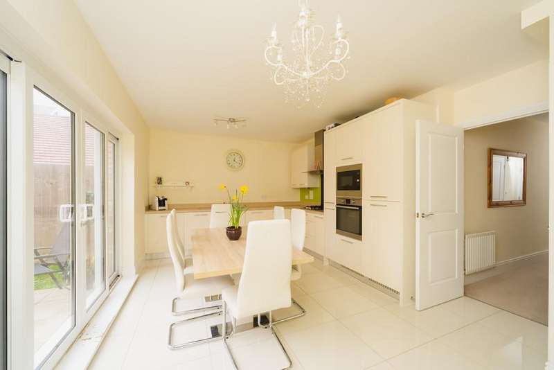 4 Bedrooms Semi Detached House for sale in Albion Drive, Larkfield