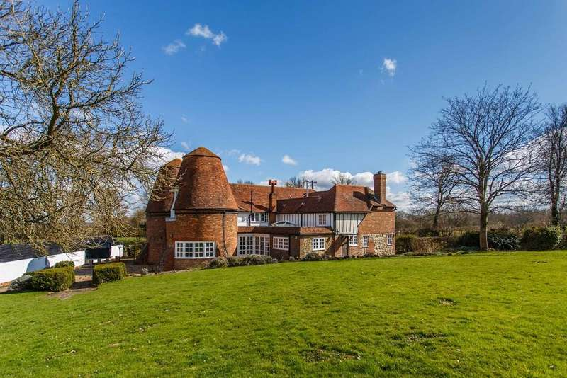 4 Bedrooms Detached House for sale in Sempstead Lane, Ewhurst Green, Robertsbridge, East Sussex TN32 5TP