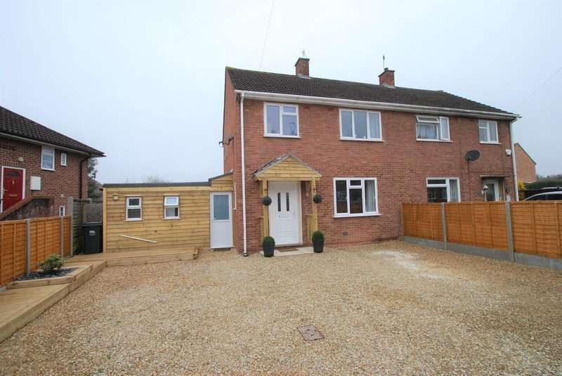 4 Bedrooms Semi Detached House for sale in Moat Crescent, Malvern
