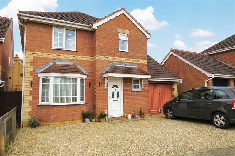 4 Bedrooms Detached House for sale in Lomax Drive, Sleaford