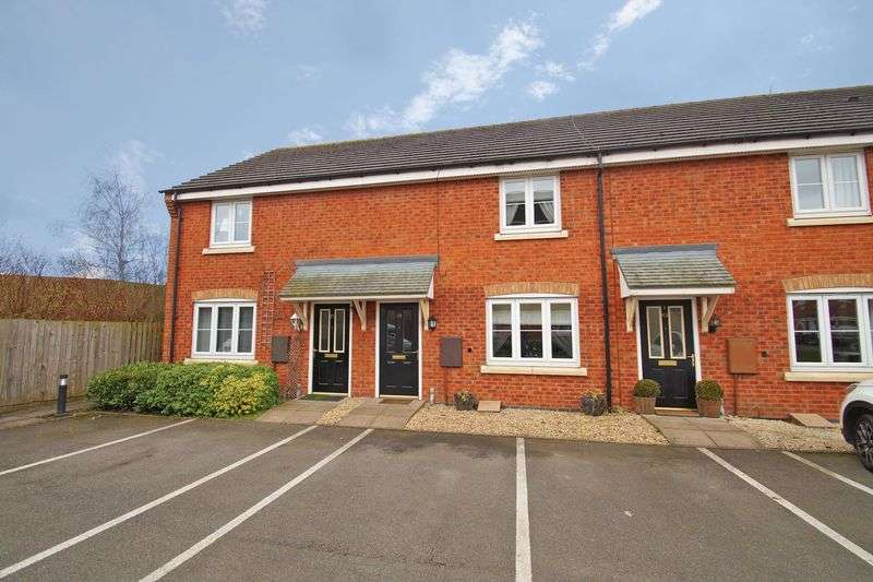 2 Bedrooms Property for sale in Pitchcombe Close, Redditch