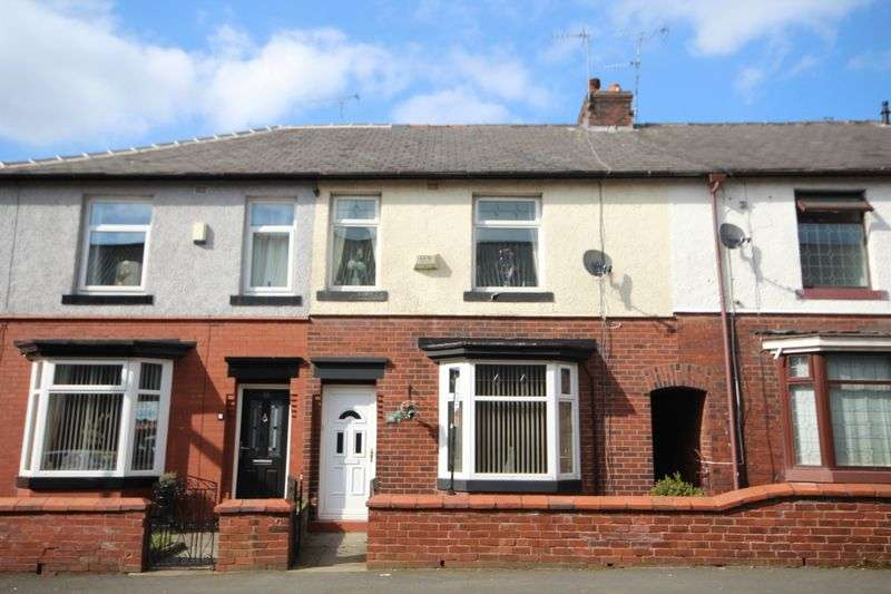3 Bedrooms Property for sale in Willbutts Lane Meanwood, Rochdale