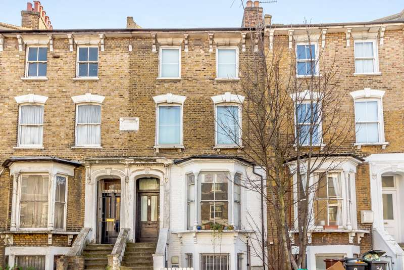 3 Bedrooms Flat for sale in Cricketfield Road, London, E5