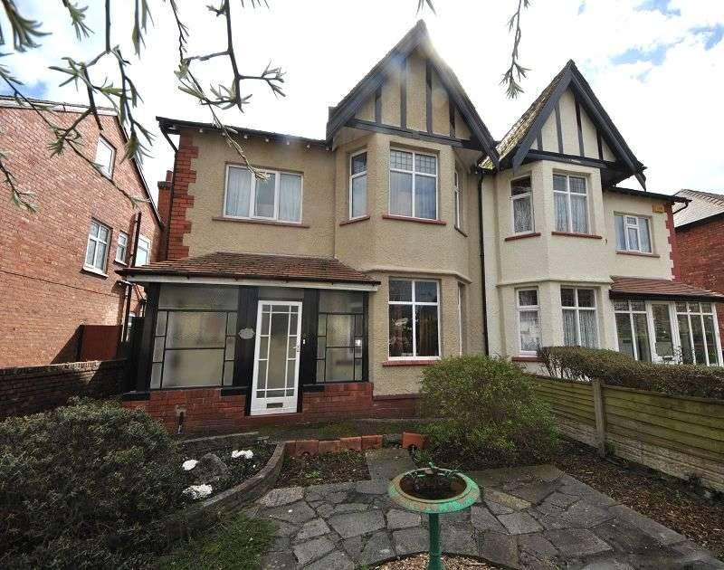 3 Bedrooms Semi Detached House for sale in Haig Avenue, Southport, Merseyside. PR8 6LD