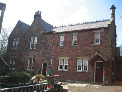 3 Bedrooms Detached House for sale in Radcliffe Road, Bolton, Greater Manchester
