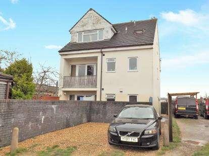 2 Bedrooms Flat for sale in Dovercourt Road, Horfield, Bristol