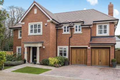 6 Bedrooms Detached House for sale in Sandfield Park, West Derby, Liverpool, L12