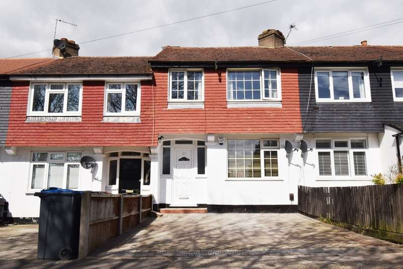 3 Bedrooms Terraced House for sale in Barnsbury Crescent, Tolworth, Surrey