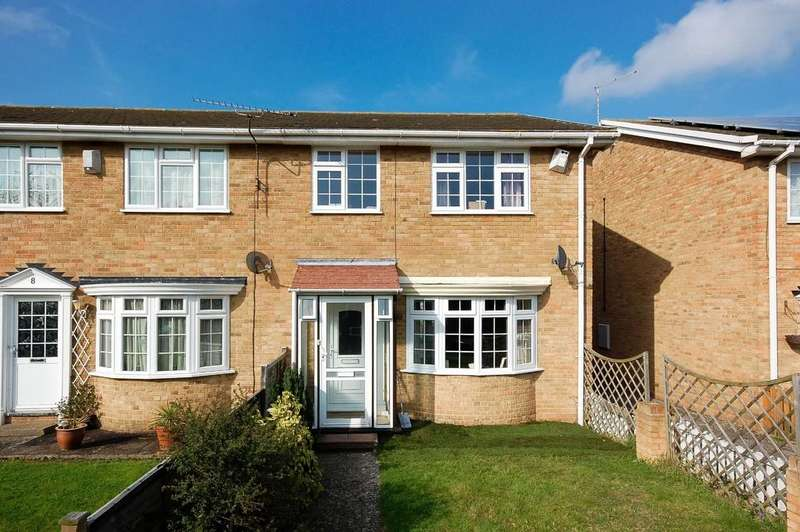 4 Bedrooms Semi Detached House for sale in Kingfisher Court, Herne Bay