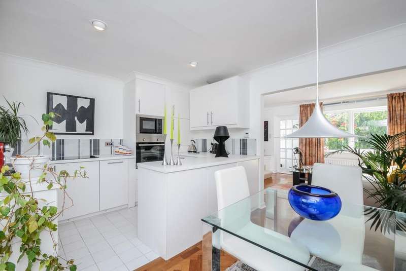 2 Bedrooms House for sale in Mornington Walk, Ham, TW10