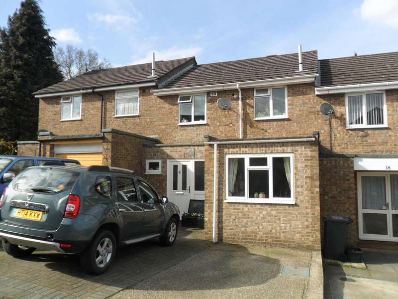 3 Bedrooms Terraced House for sale in WOODSIDE PARK, BORDON GU35
