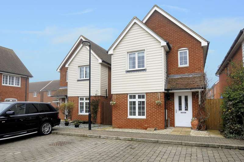 3 Bedrooms Detached House for sale in Wallis Court, Herne Bay, Kent