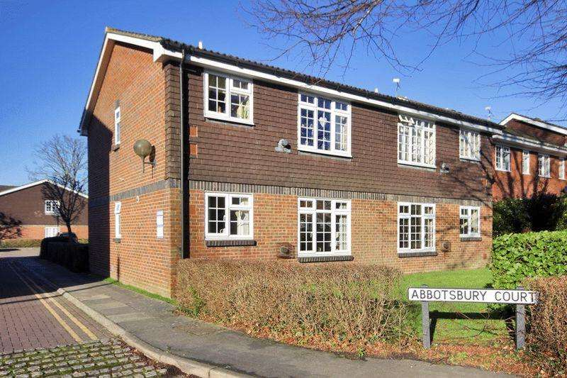 1 Bedroom Flat for sale in Abbotsbury Court, Kings Road, Horsham