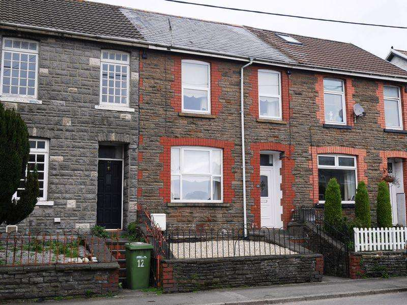3 Bedrooms Terraced House for sale in Llest Terrace, Llantwit Fardre, Cf39 2HH
