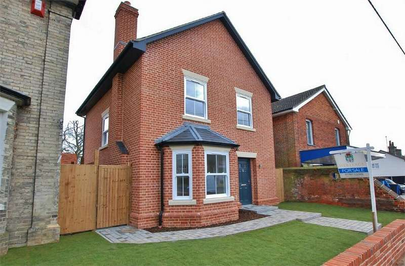 4 Bedrooms Detached House for sale in Tundra Close, Sible Hedingham, Essex