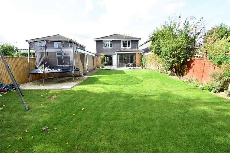 4 Bedrooms Detached House for sale in Macdonald Road, LIGHTWATER, Surrey