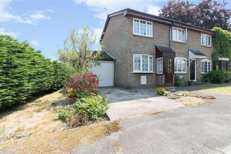 2 Bedrooms Semi Detached House for sale in Squerryes Mede, Westerham