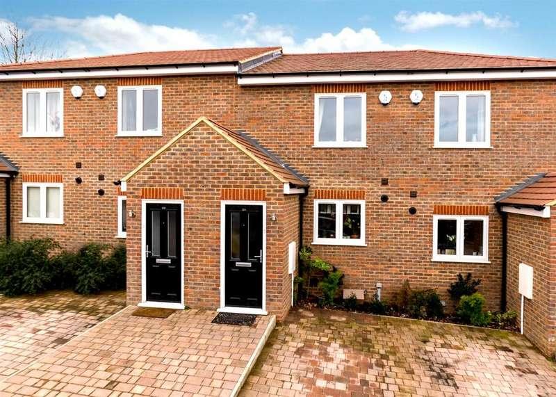2 Bedrooms Terraced House for sale in King Edward Street, Apsley, Hemel Hempstead