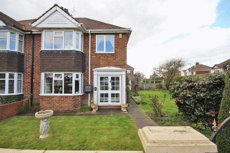 3 Bedrooms Semi Detached House for sale in LANDECK AVENUE, GRIMSBY