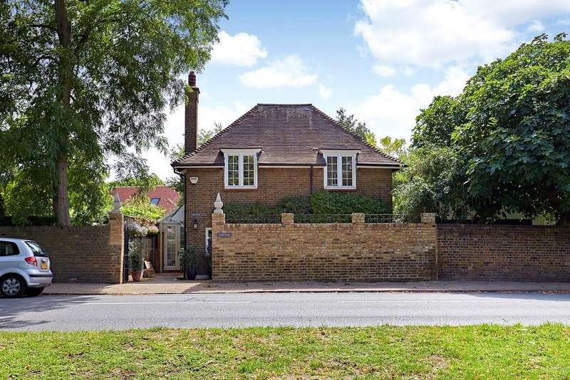 2 Bedrooms Detached House for sale in Upper Ham Road, Richmond, Surrey, TW10