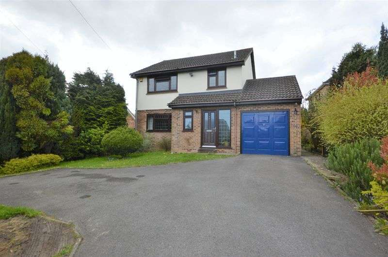 3 Bedrooms Property for sale in New Road, Clanfield