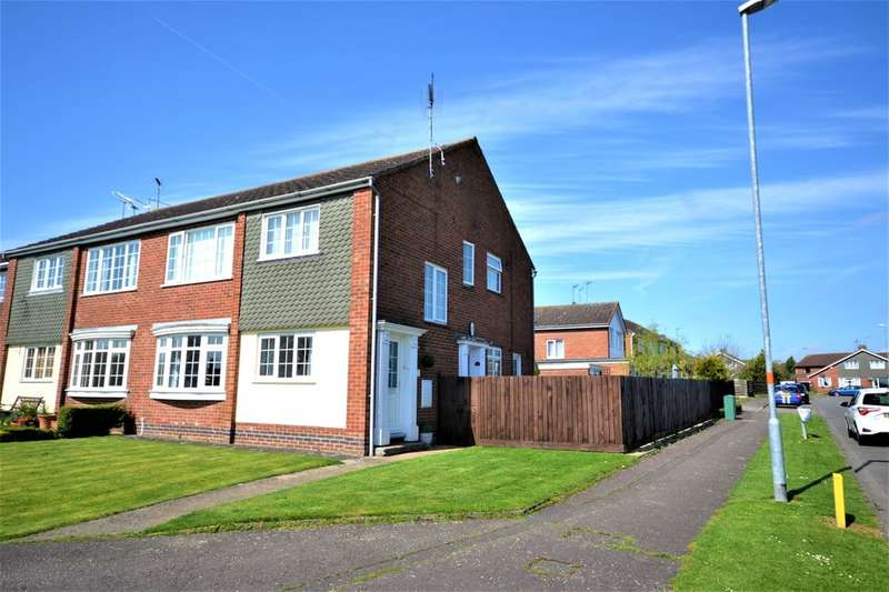 2 Bedrooms Flat for sale in Park Lane, Duston, Northampton, NN5