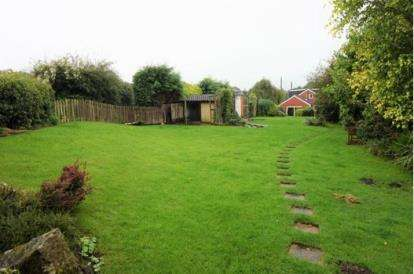 5 Bedrooms Detached House for sale in Nabs Head Lane, Samlesbury, Preston, Lancashire