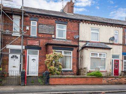 4 Bedrooms Terraced House for sale in Derby Road, Salford, Greater Manchester