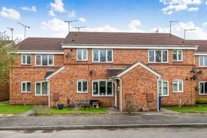 1 Bedroom Flat for sale in Kamienna Close, Meadowcroft Park, Stafford, Staffordshire