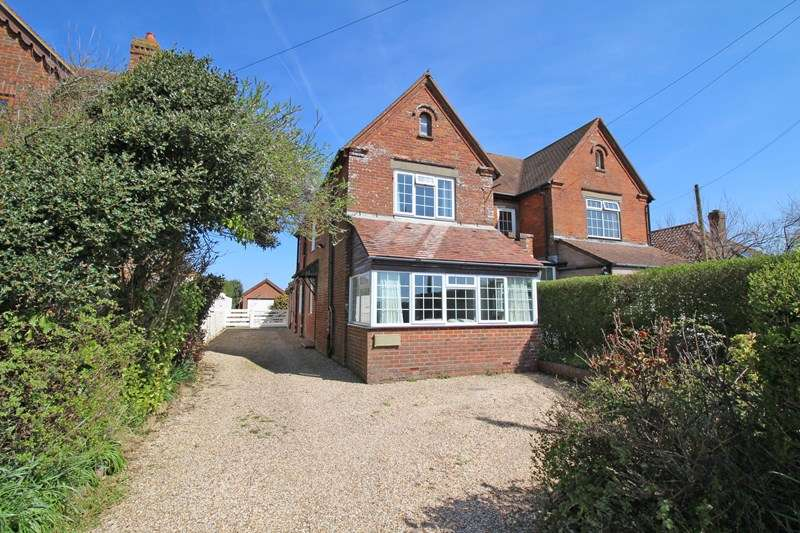 3 Bedrooms Semi Detached House for sale in Keyhaven Road, Keyhaven, Lymington