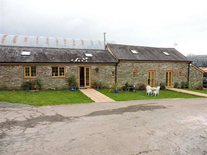 2 Bedrooms Detached Bungalow for sale in Llandyfaelog, Kidwelly