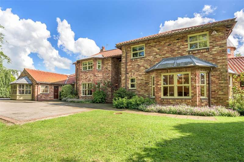 5 Bedrooms Detached House for sale in Carr Lane, Watton, Driffield, YO25