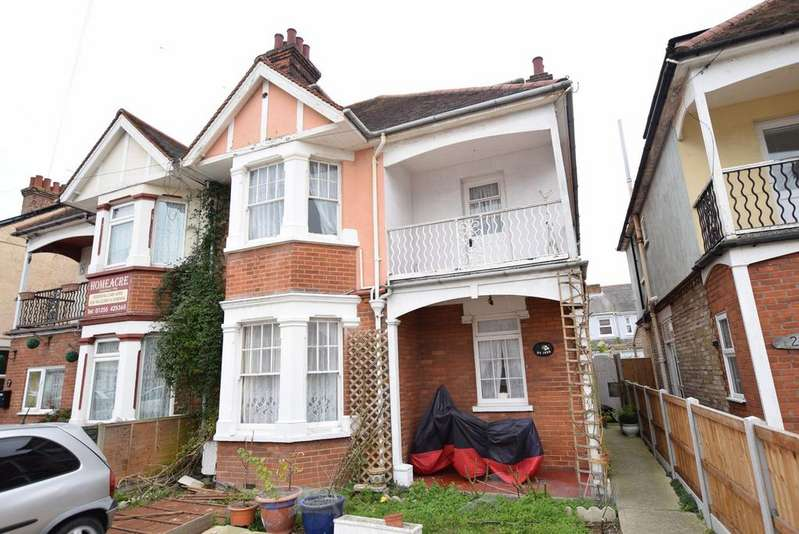 7 Bedrooms Semi Detached House for sale in Hayes Road, Clacton-on-Sea