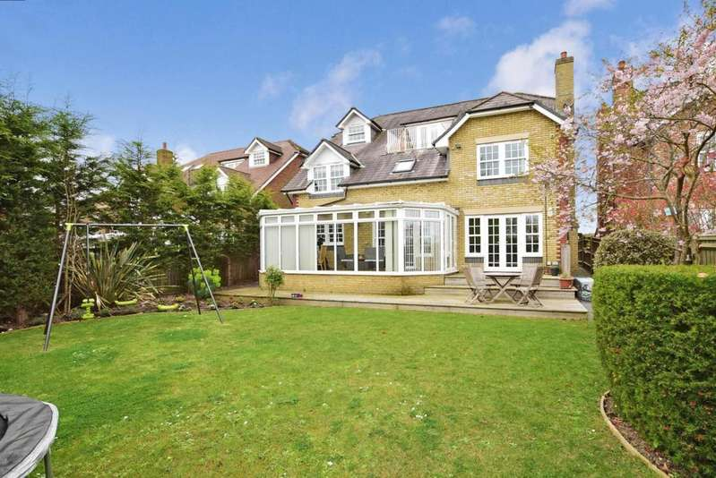 7 Bedrooms Detached House for rent in Dodnor Lane Newport PO30