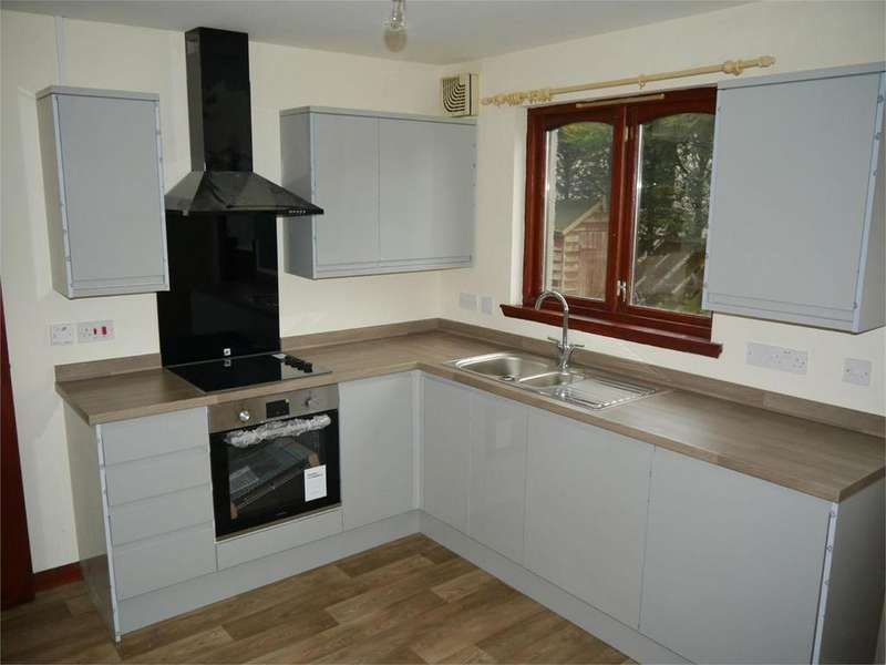 2 Bedrooms Semi Detached House for rent in 10 Sandport Close, Kinross, Kinross-shire