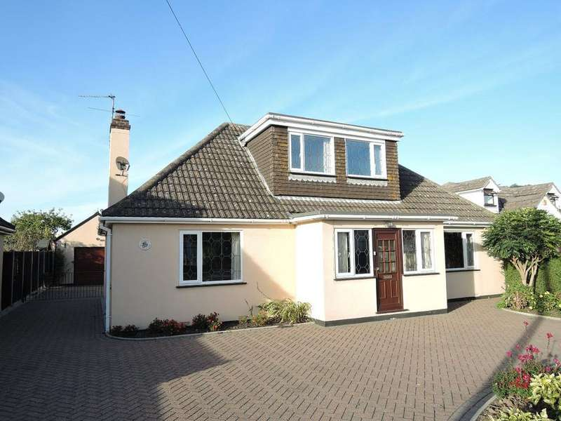 3 Bedrooms Chalet House for sale in Frinton Road, Kirby Cross, Frinton-on-Sea