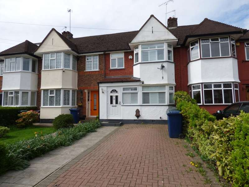 3 Bedrooms Terraced House for sale in West Walk, East Barnet, Barnet EN4