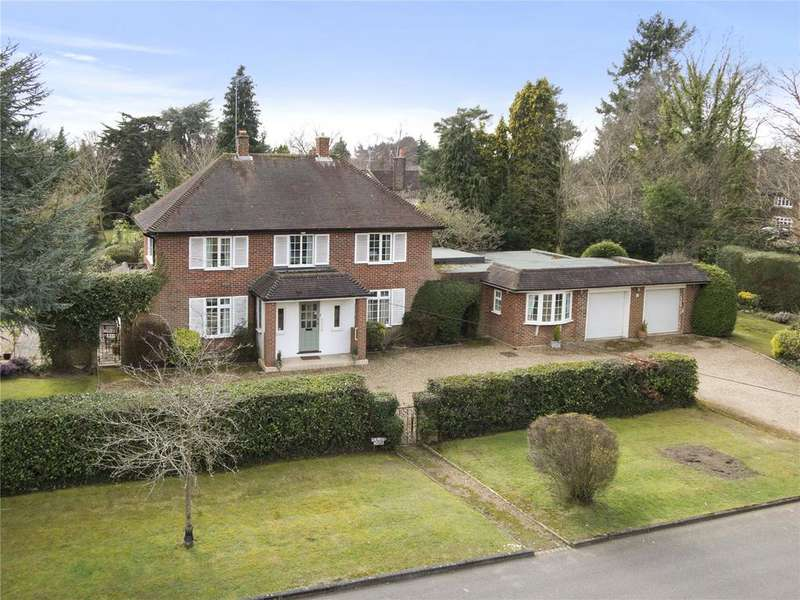 5 Bedrooms Detached House for sale in Harebell Hill, Cobham, Surrey, KT11