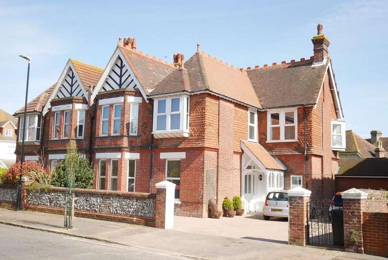 2 Bedrooms Apartment Flat for sale in Hartfield Road, Eastbourne, BN21