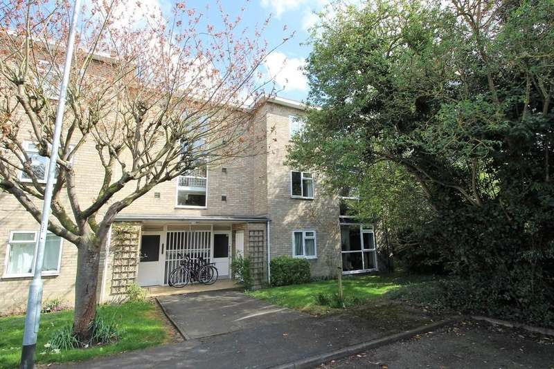 2 Bedrooms Apartment Flat for sale in Lilac Court, Cambridge