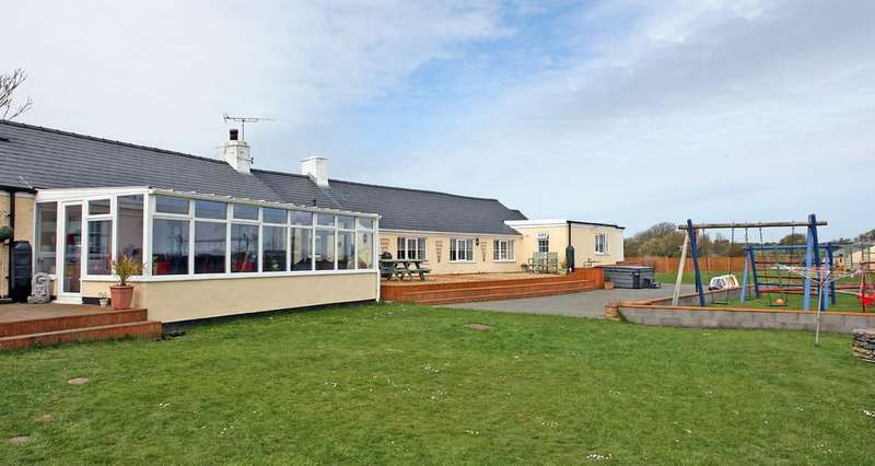 7 Bedrooms Detached Bungalow for sale in Llanfair Yn Neubwll, Holyhead, North Wales