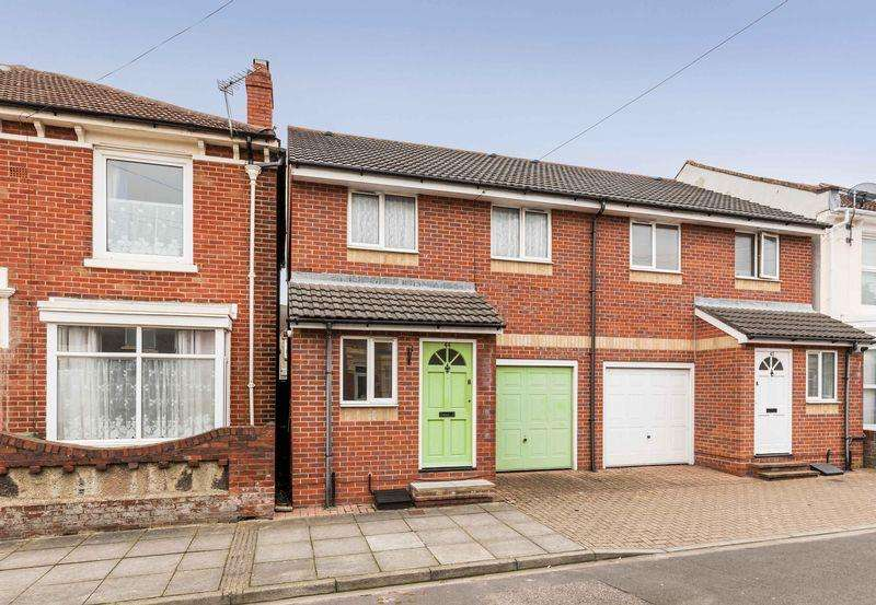 3 Bedrooms Terraced House for sale in Fordingbridge Road, Southsea