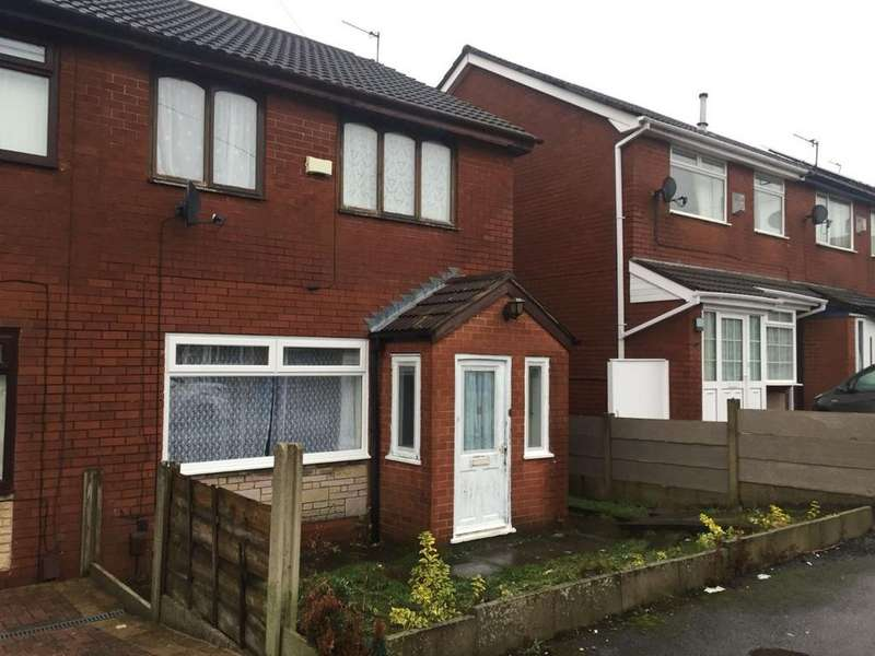 3 Bedrooms Semi Detached House for sale in Manor Close, Chadderton, Oldham, OL9