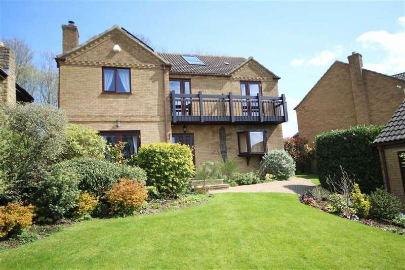 5 Bedrooms Detached House for sale in Tithe Barn Crescent, Old Town, Swindon
