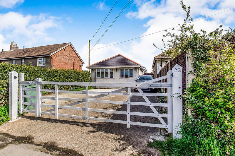 3 Bedrooms Detached Bungalow for sale in Heath Road, Langley, Maidstone, ME17