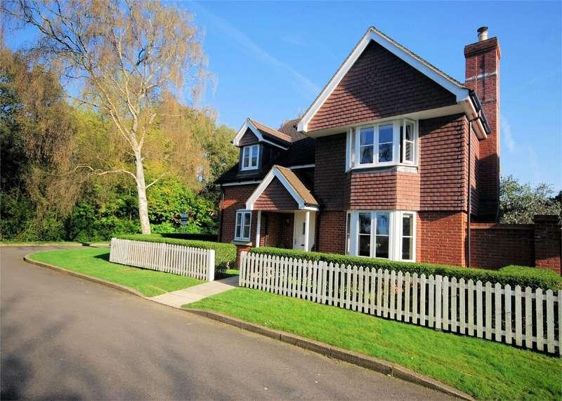 4 Bedrooms Detached House for sale in Mcindoe Drive, Wendover, Buckinghamshire