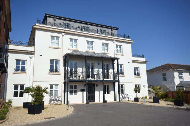 2 Bedrooms Flat for sale in Sanditon, Station Road, Sidmouth, Devon